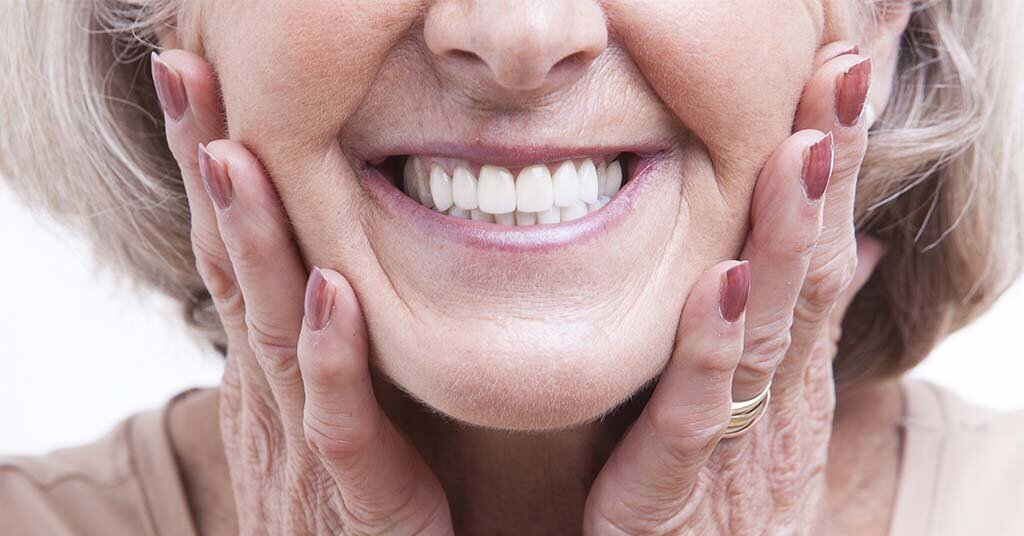 5 Ways Dentures Can Help Your Appearance and Improve Your Life